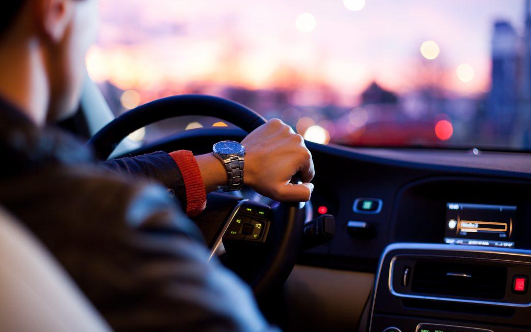 ¿Cuál es la mejor forma de mantener controlados los vehículos de mi empresa?